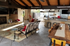 This durable concrete hardscape features the Bomanite Exposed Aggregate Antico process that was used here to add a beautiful decorative treatment while creating cozy niches that are perfect for entertainment and relaxation.